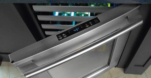 Electrolux EI24WC65GS - Nice Top-Controls and Clean Design.